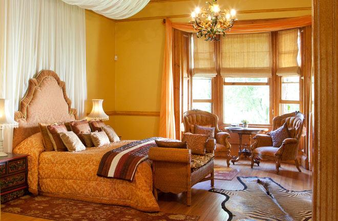 moor-suite-hartford-house-3.jpg