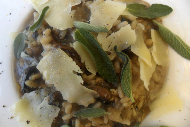 Brown Mushroom Risotto Photo : Jackie Cameron