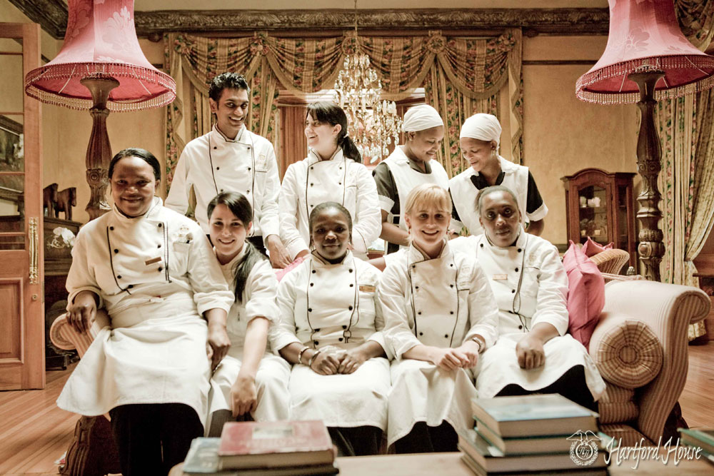Jackie Cameron, Zandile Mchunu, Deli Nene, Zinthle Majola and the Hartford House Kitchen Team / Cooked in Africa (p)