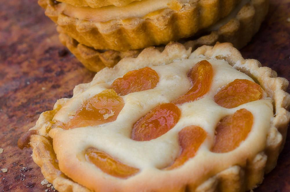 Apricot and Ginger Tart / Karen E Photography (p)