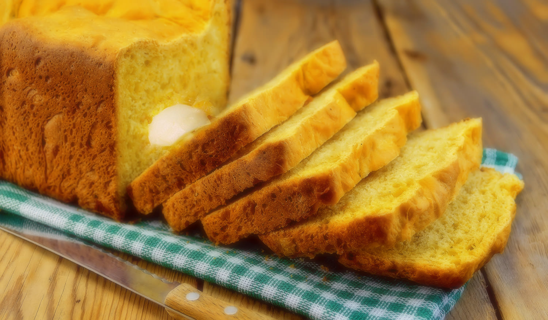 Steamed Mealie Bread / Hartford House (p)