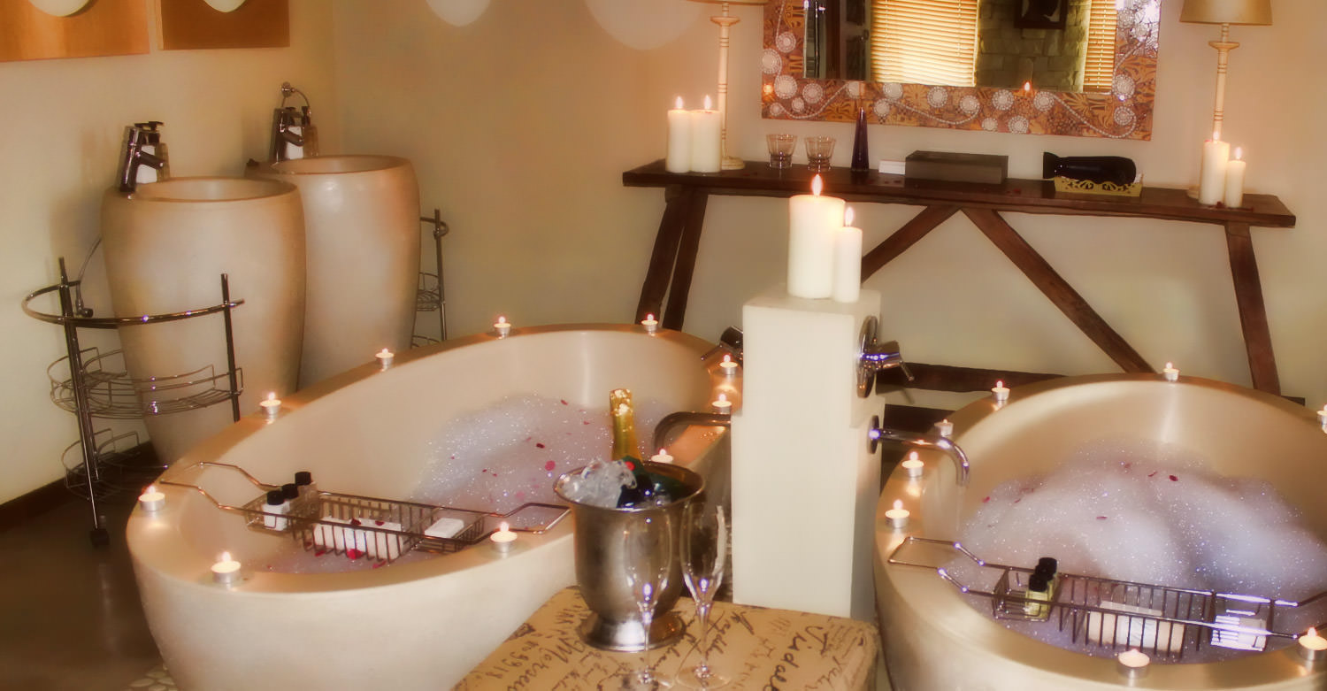 Romantic Valentine's Day Bathromm at Hartford House