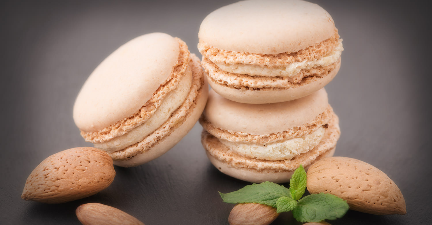 Hartford House Almond Macaroons / Hartford House (p)