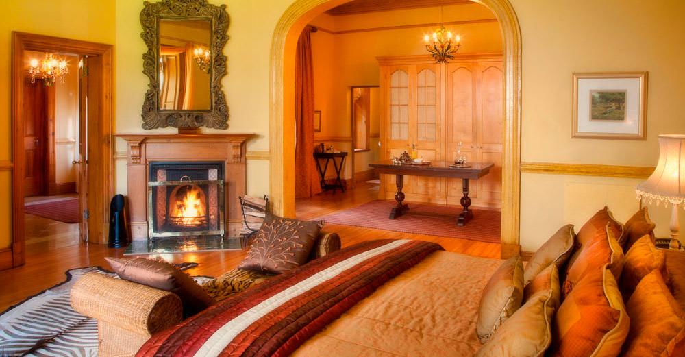 Hartford House Manor Suite