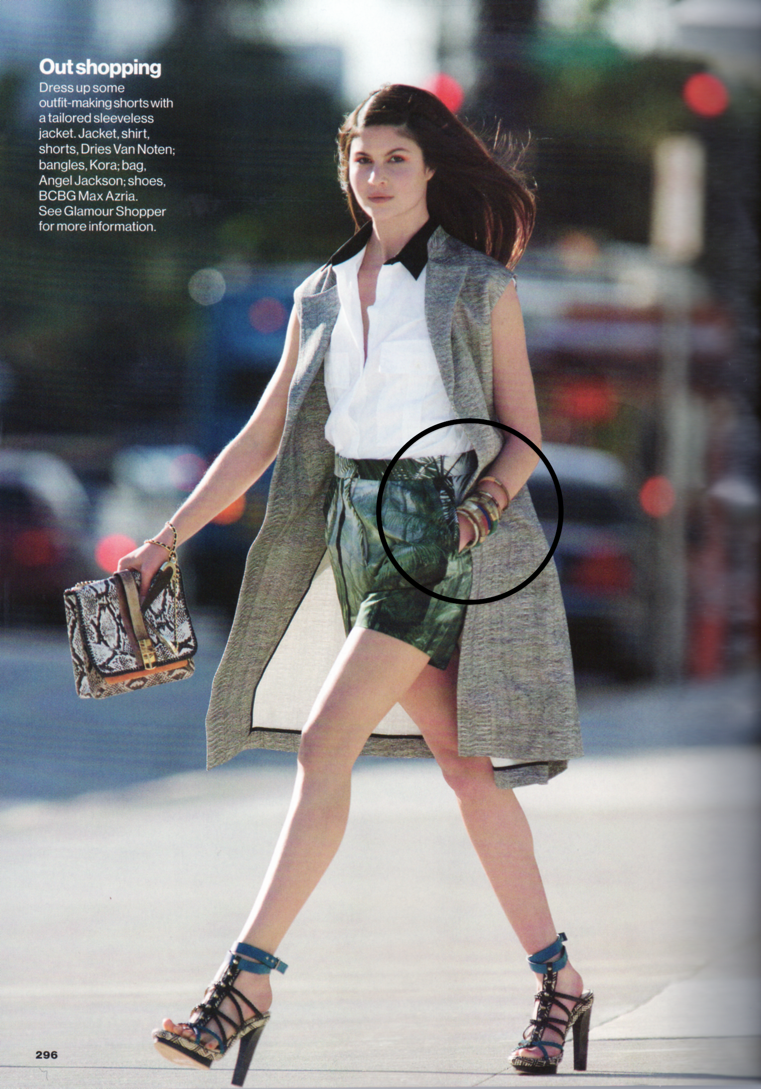 Glamour 1 March 2012.png