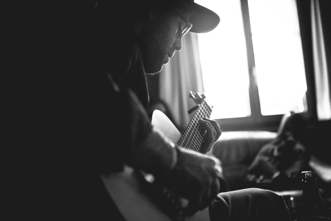 EricJackson_ejack_guitar_dorfblick_silvanozeiter.jpg