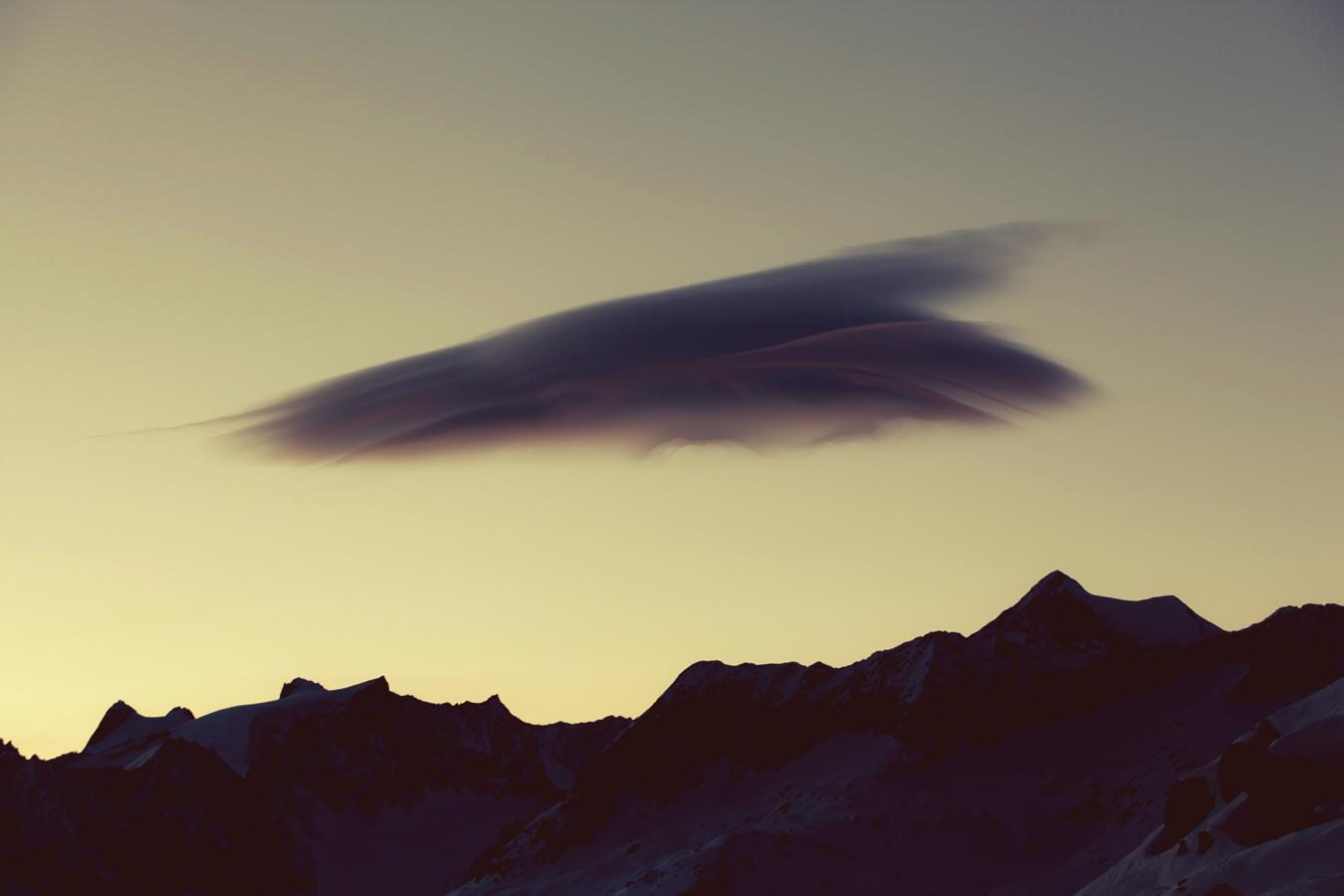 drunk_cloud_mountains_swissalps_silvanozeiter_1.jpg
