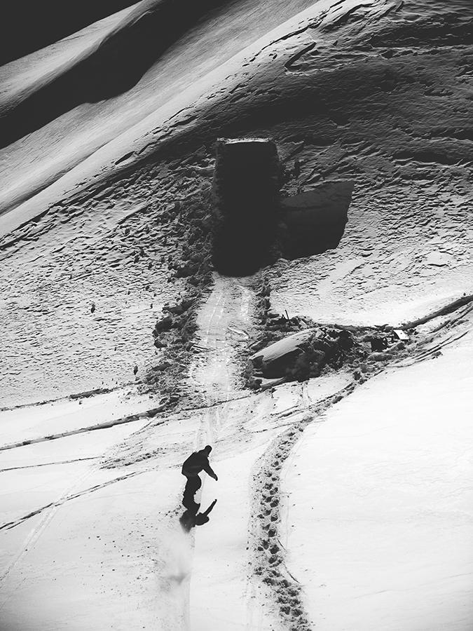 MarioKaeppeli_WeOutThere_Snowboard_SilvanoZeiter.jpg