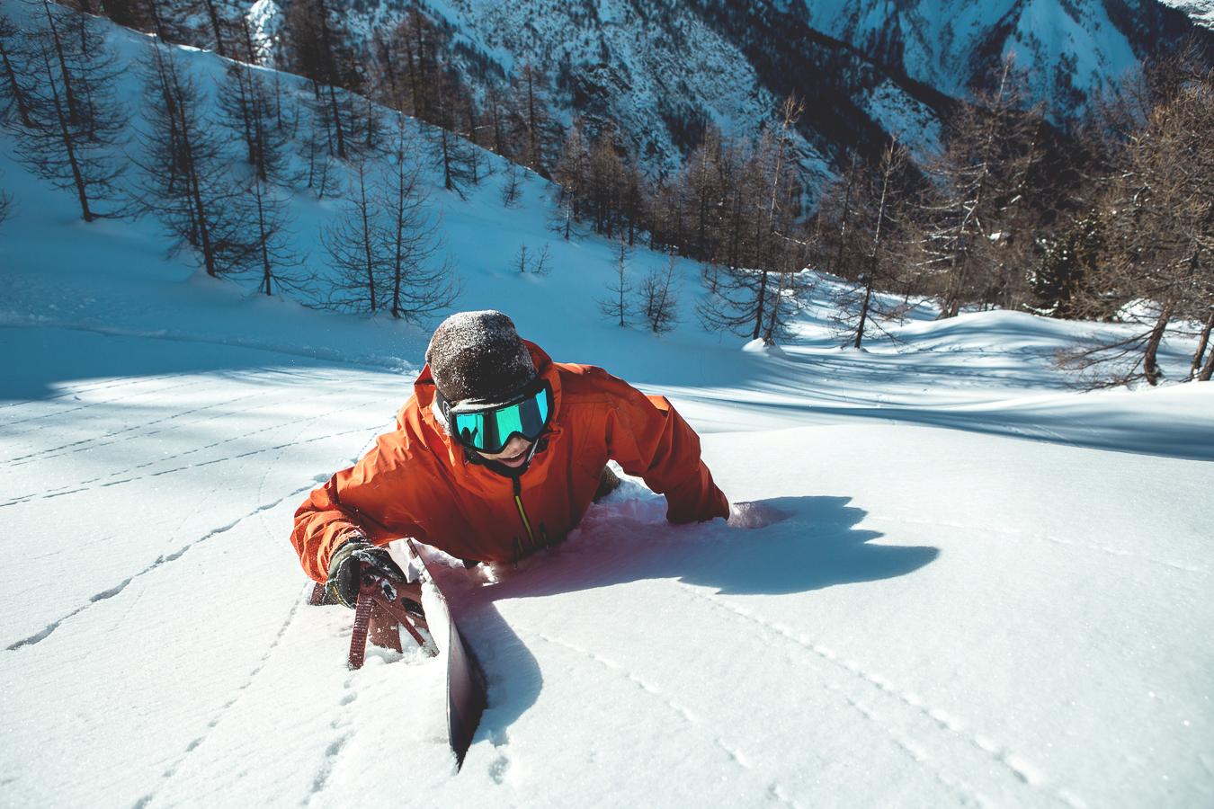 leviluggen_deep_pow_snowboard_silvanozeiter_2.jpg