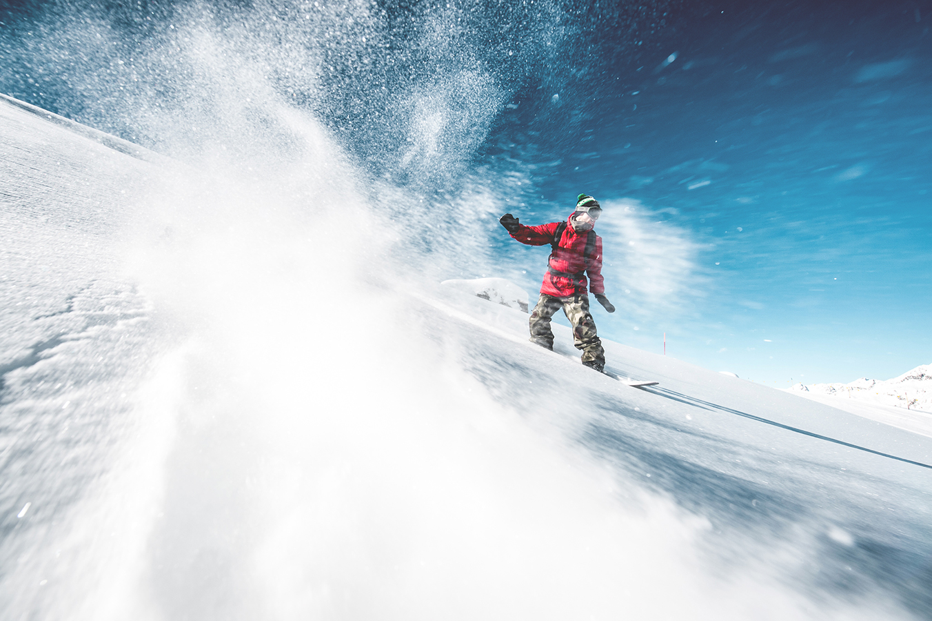 NicolasMüller_Snowboard_StMoritz_SilvanoZeiter_2.jpg