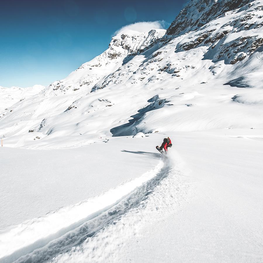 NicolasMüller_Butter_Snowboard_StMoritz_SilvanoZeiter_2.jpg