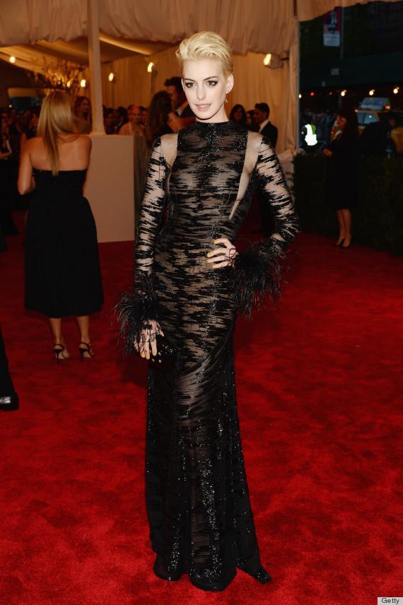 Anne Hathaway in vintage Valentino