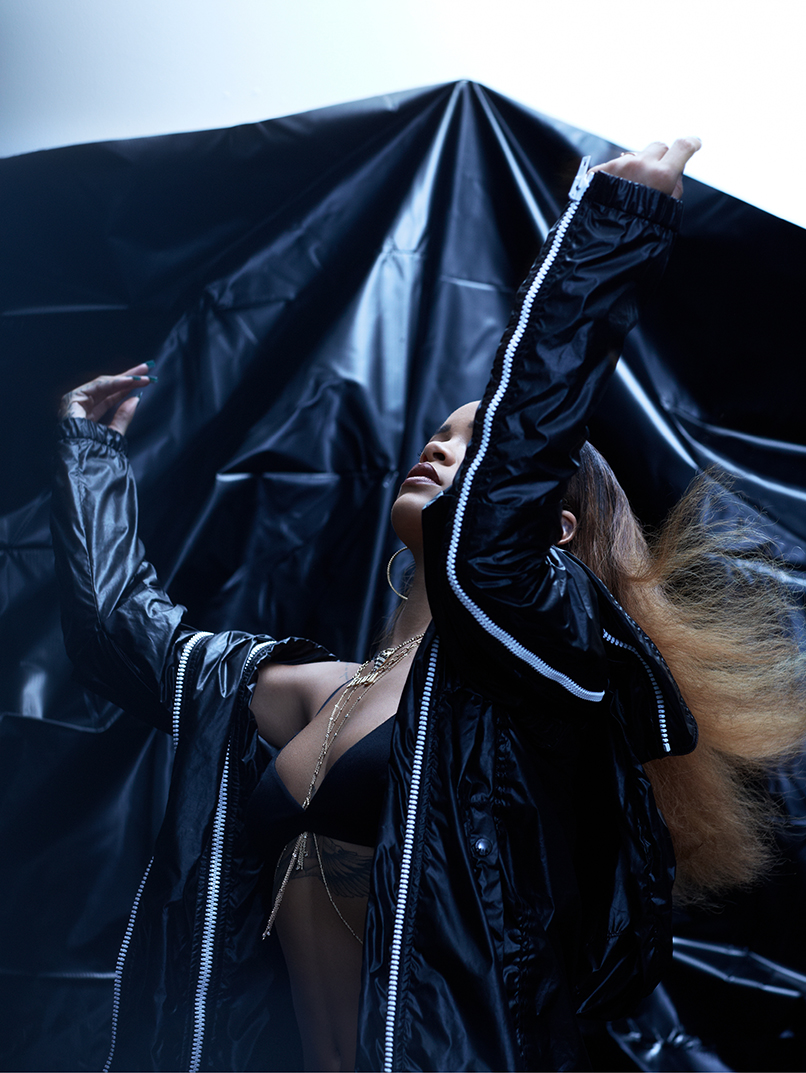 Rihanni-Feature-Updated Imagery-04v2.jpg