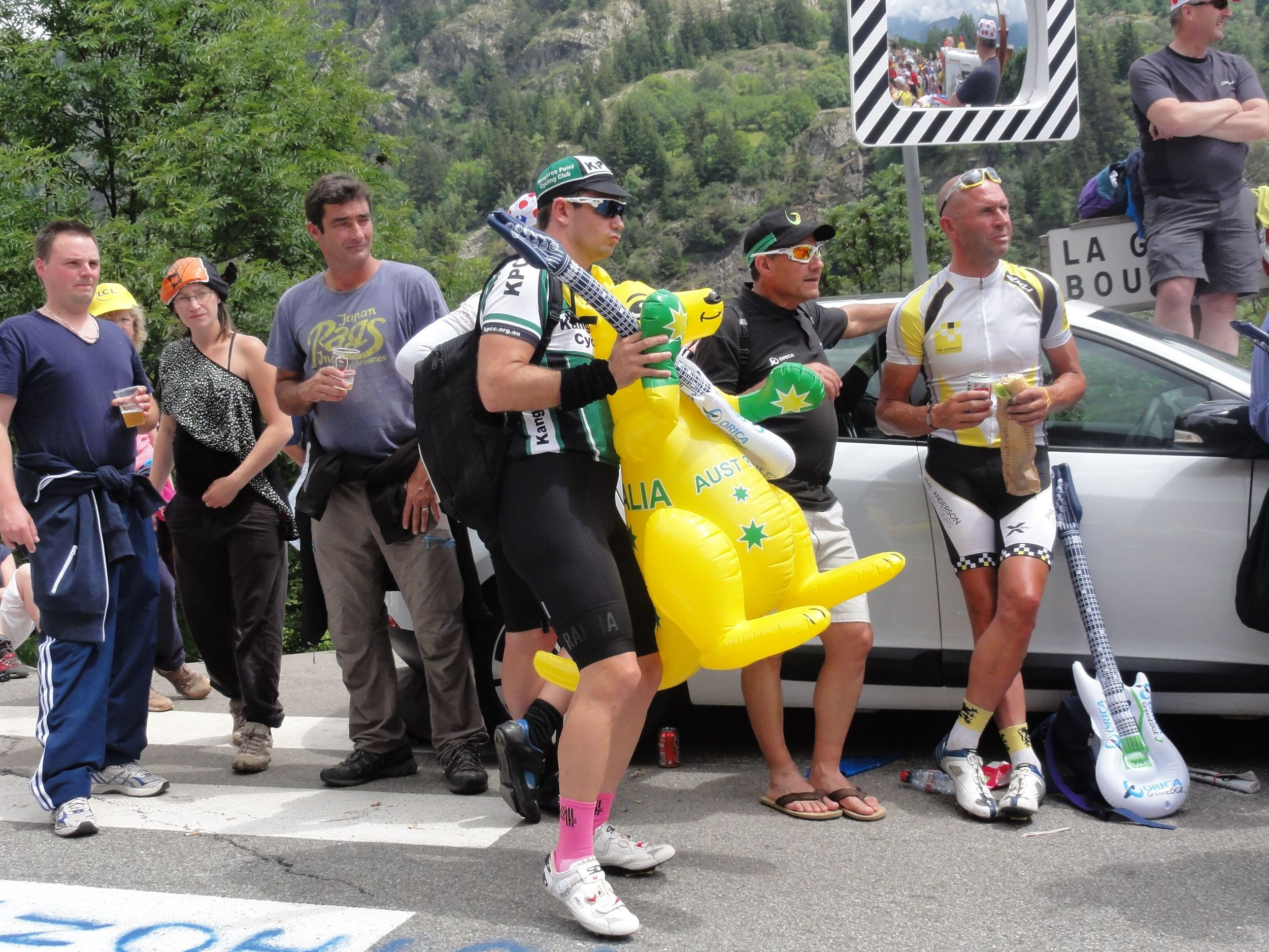 I stood on the side of the road for 3 hours waiting for the GreenEDGE car... in the end- they were a no show on Alpe d'Huez!
