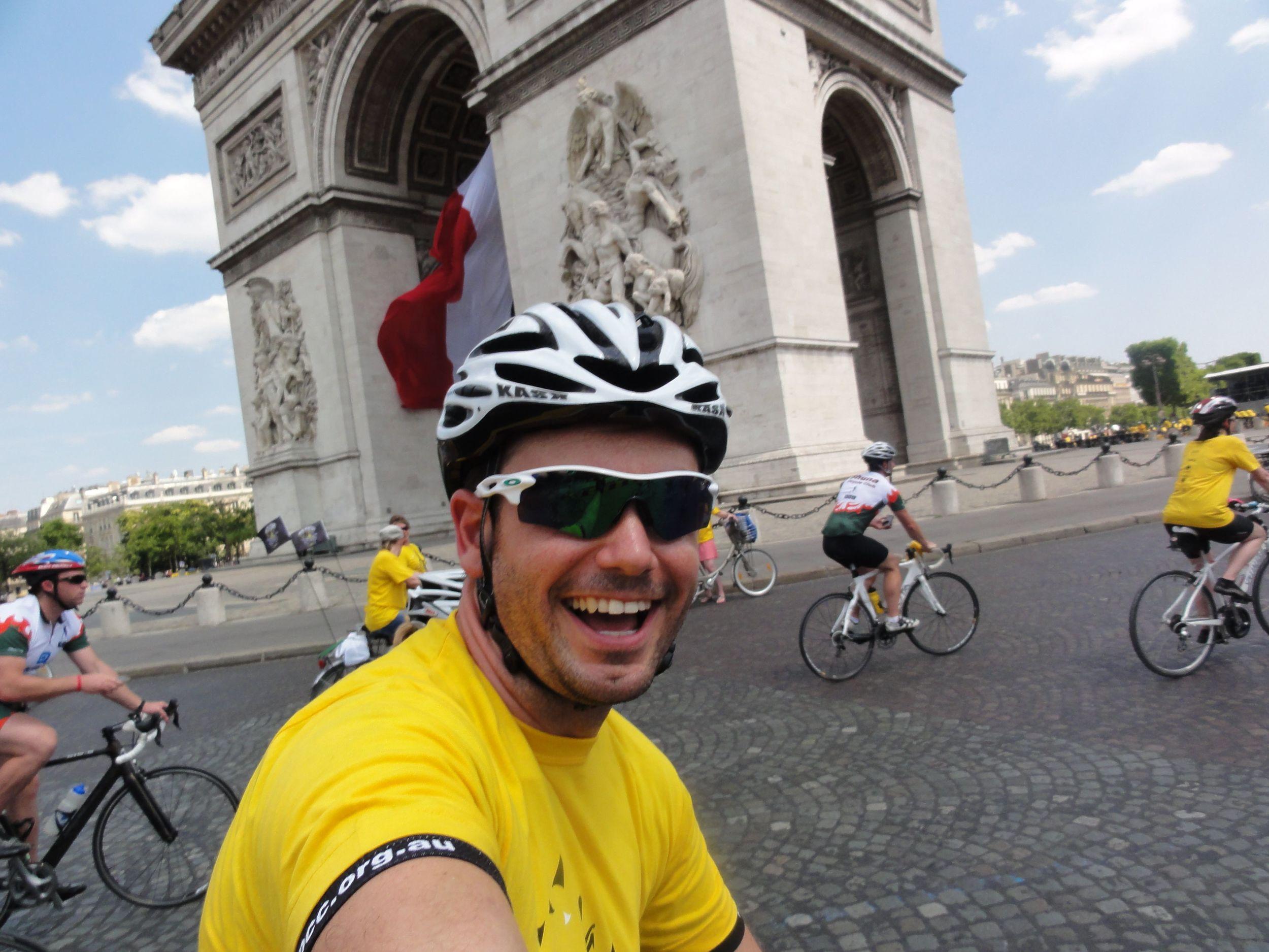 A selfie at the Arc de Triomphe!