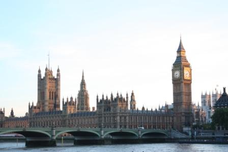 Big Ben and the Houses of Parliament at dusk.