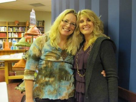 When Toni's author friend Lori Armstrong/Lorelei James was visiting from South Dakota, they did a signing together at Toni's favorite bookstore.