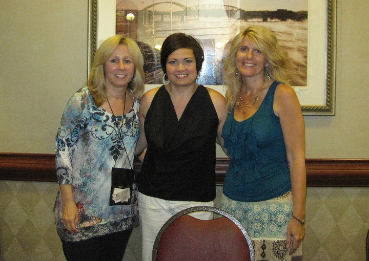 With author friends Lori Foster and Jules Bennett