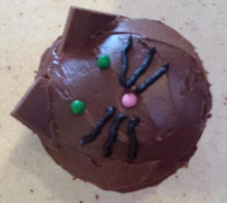 Kitty cupcake.jpg