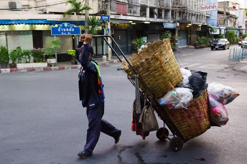 garbage_man_bangkok