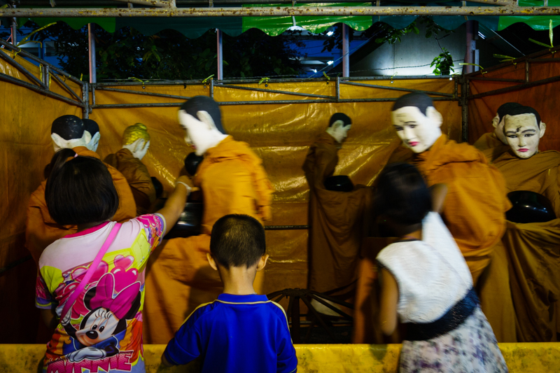 monks_carousel_bangkok