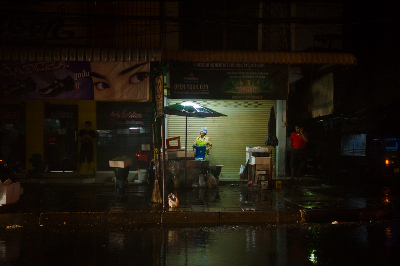 bangkok_rain_night