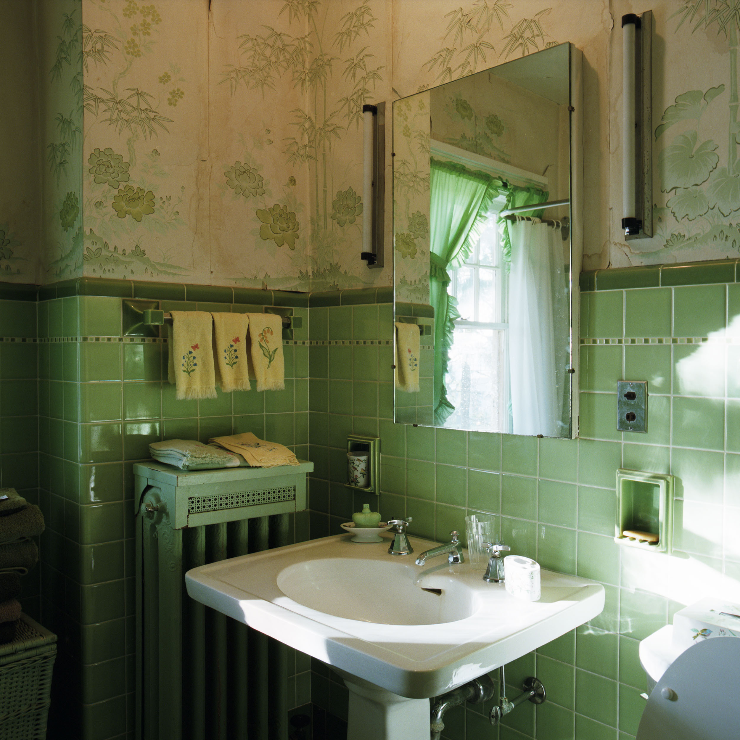 1085-01B RH Bathroom.jpg