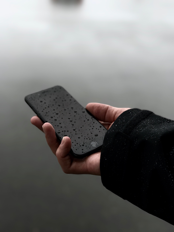 iPhone 7 in the rain.
