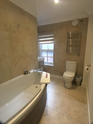 Garden room Bathroom.jpg