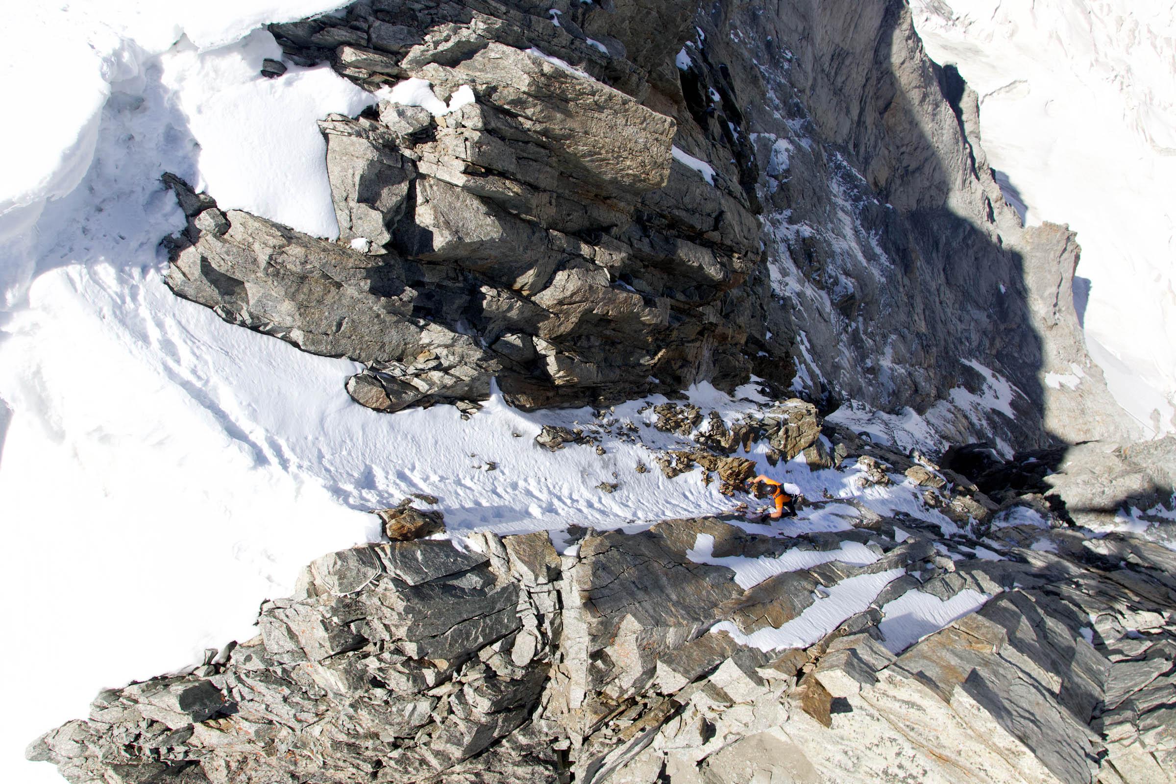 Mammut_Dani Arnold_Climbing at Grandes Jorasses.jpg