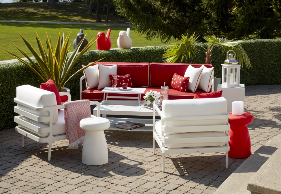 ARD OUTDOOR (shown: Lido Collection)
