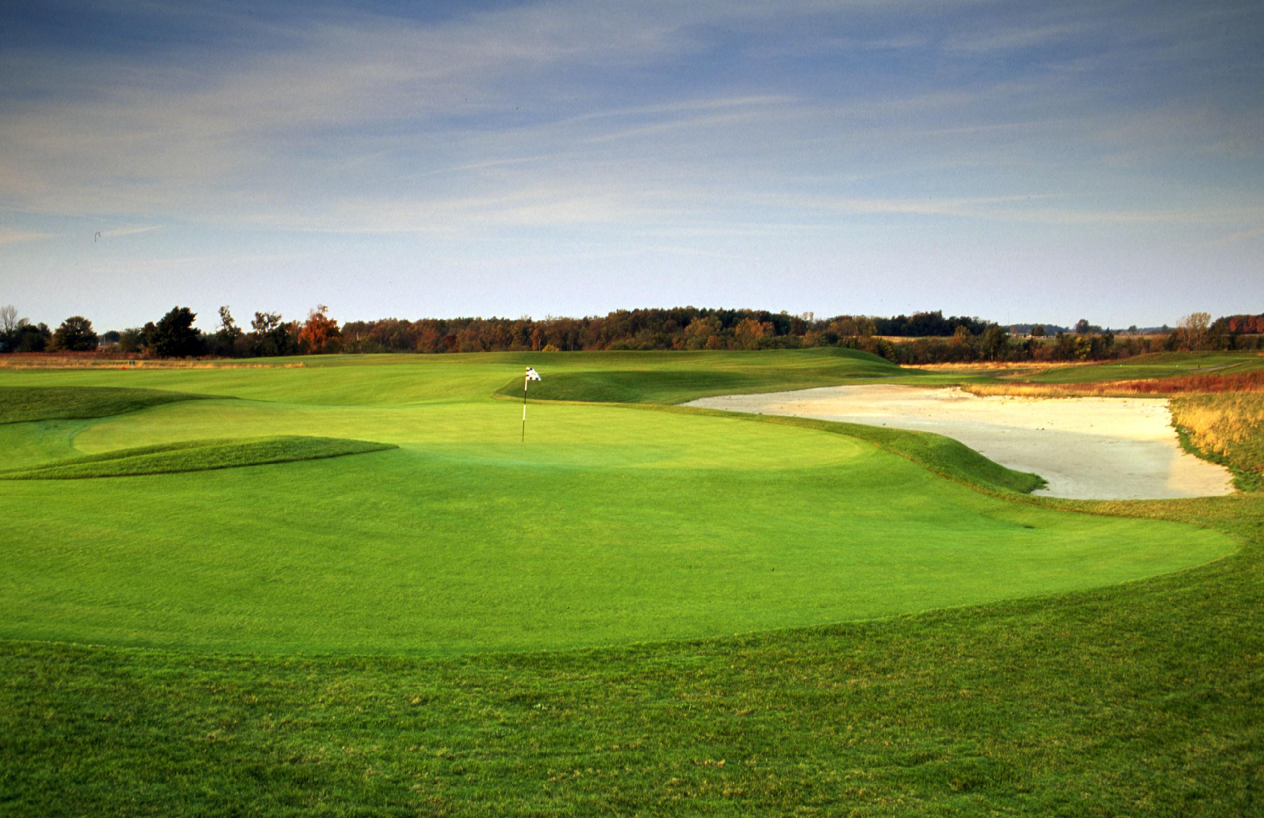 Golf Hole #5   Par 4  369 Yards
