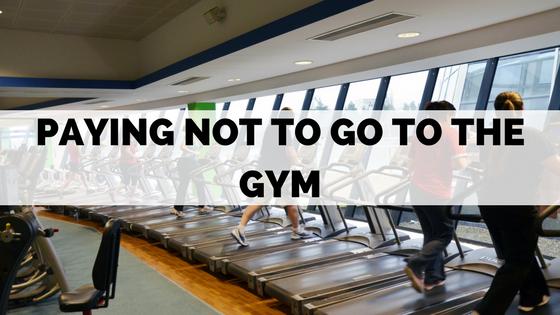 gym-paying-membership-money