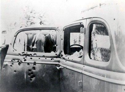 Bonnie_Clyde_Car.jpg