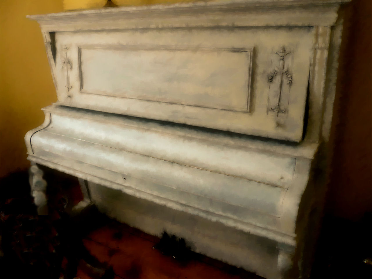 antique piano.jpg