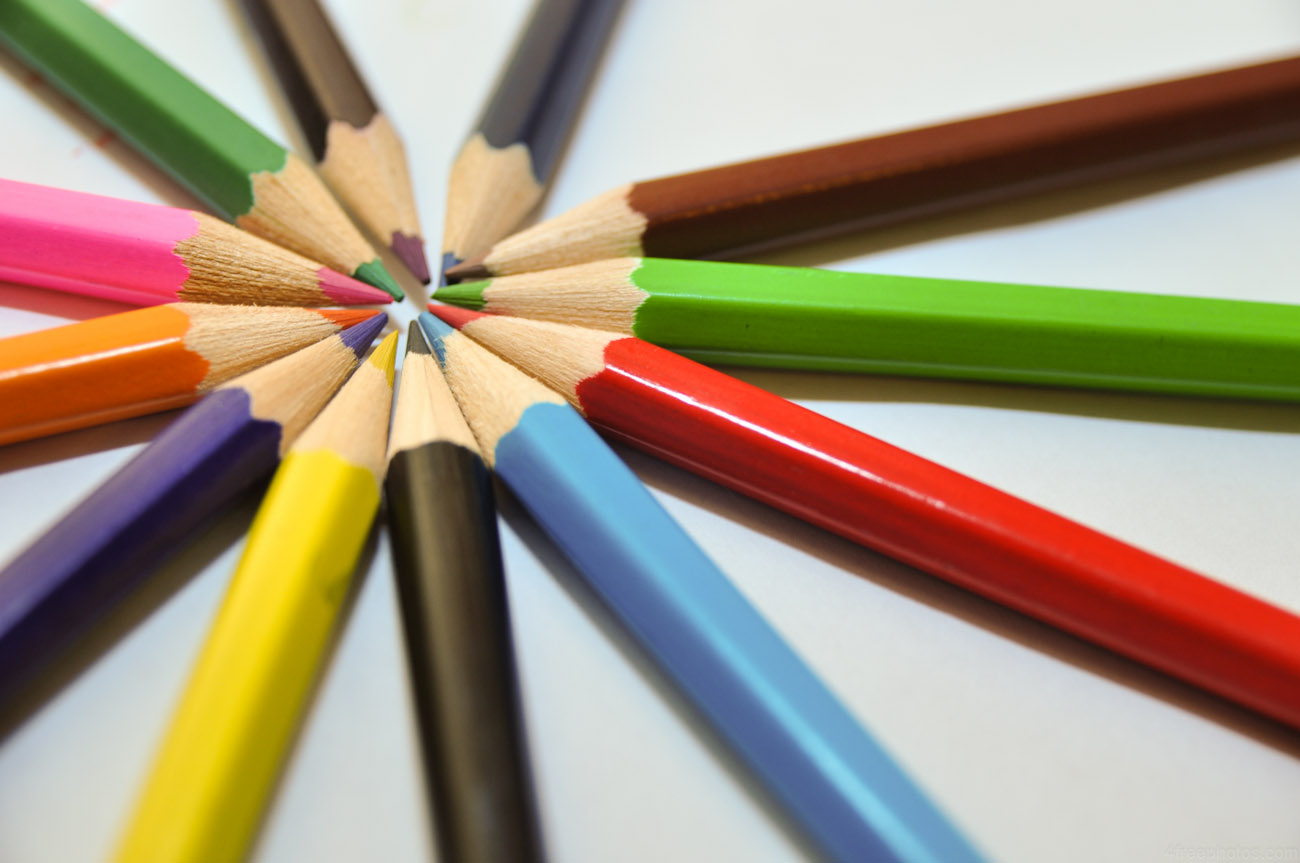 4freephotos crayons.jpg