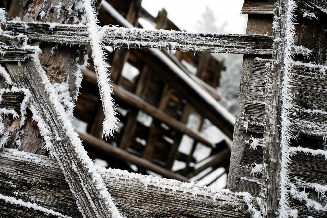 hoar_frost_old_barn--11.jpg