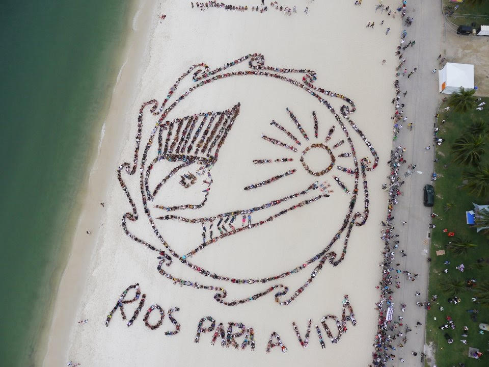 Indigenous elders and earth guardian youth create 'Rios Para A Vida' (Rivers for Life) during Earth Summit in Rio 2012.