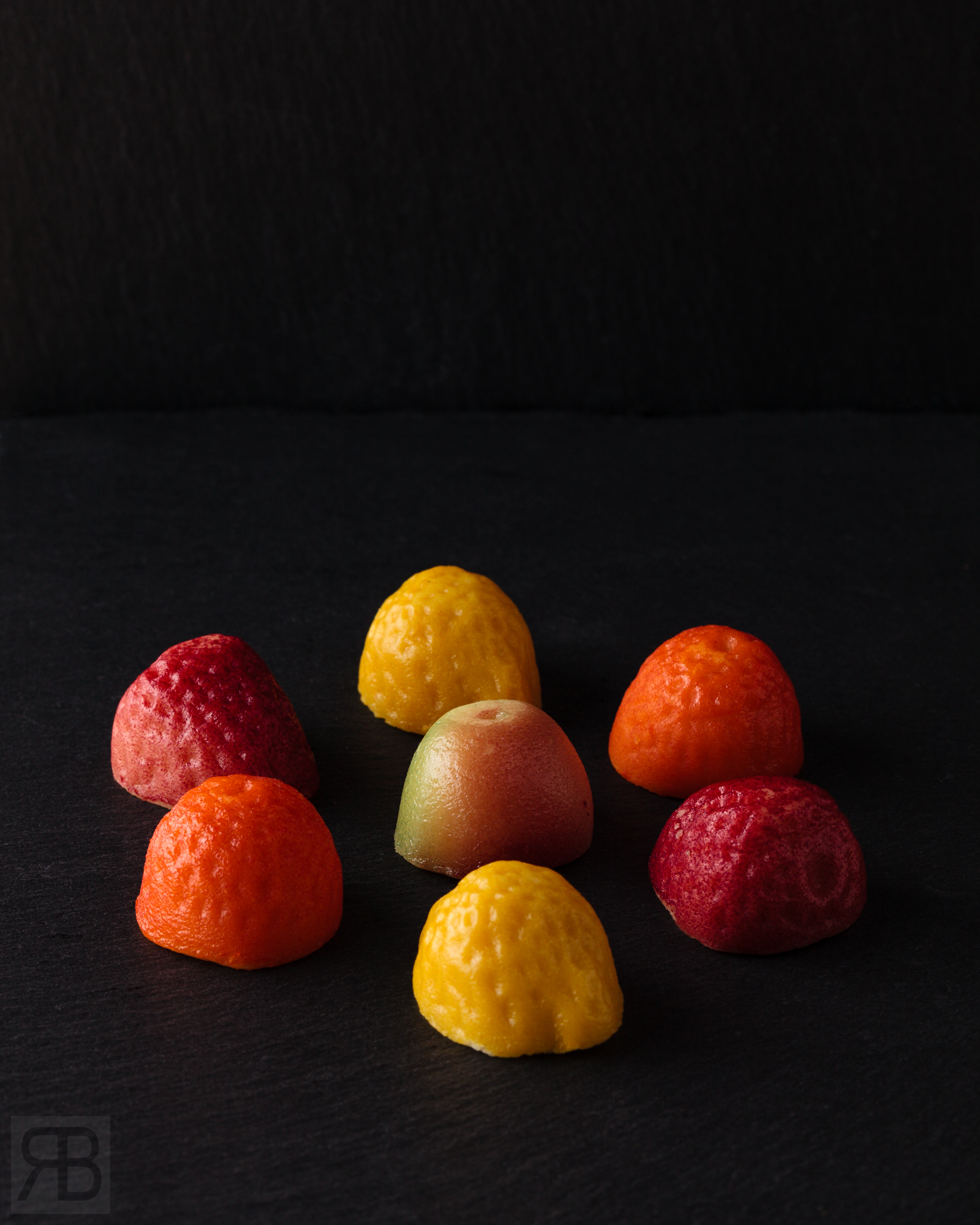 261218_ThorntonsMarzipan_Fruit_24790001-E_WebWM.jpg