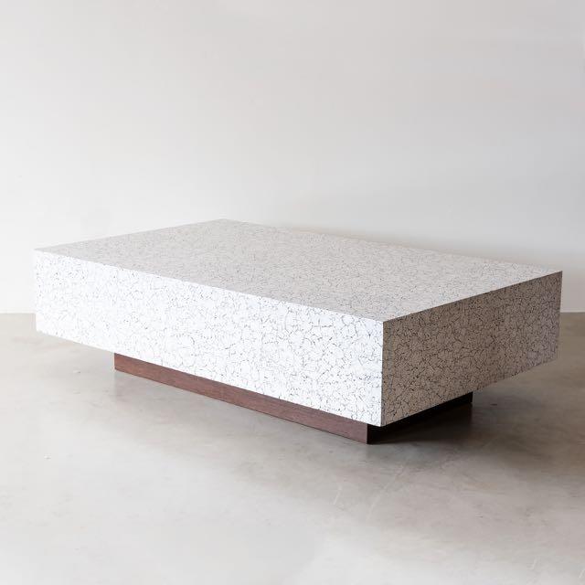 DIXON COCKTAIL TABLE