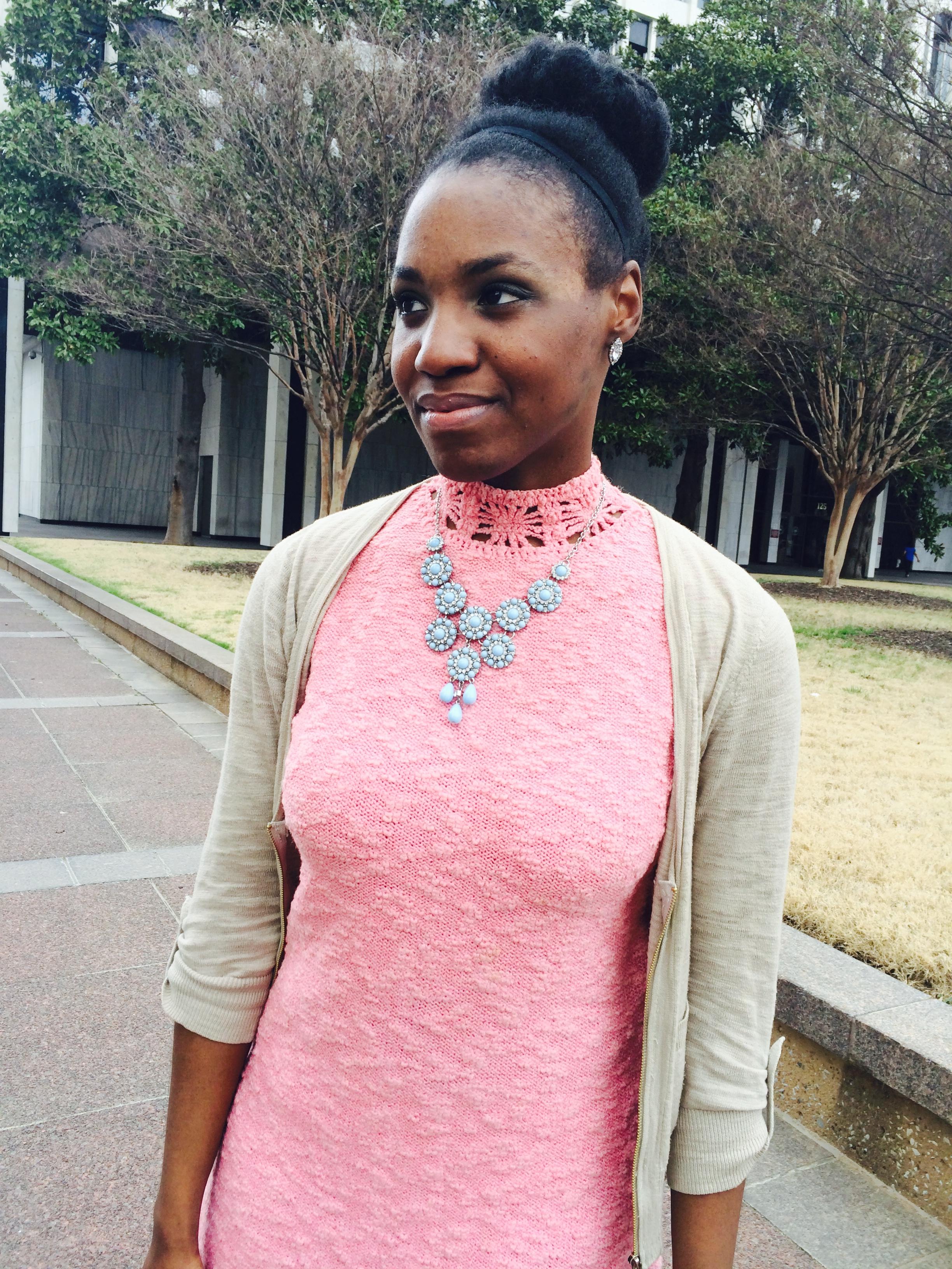 pink-dress-blue-accessories.jpg