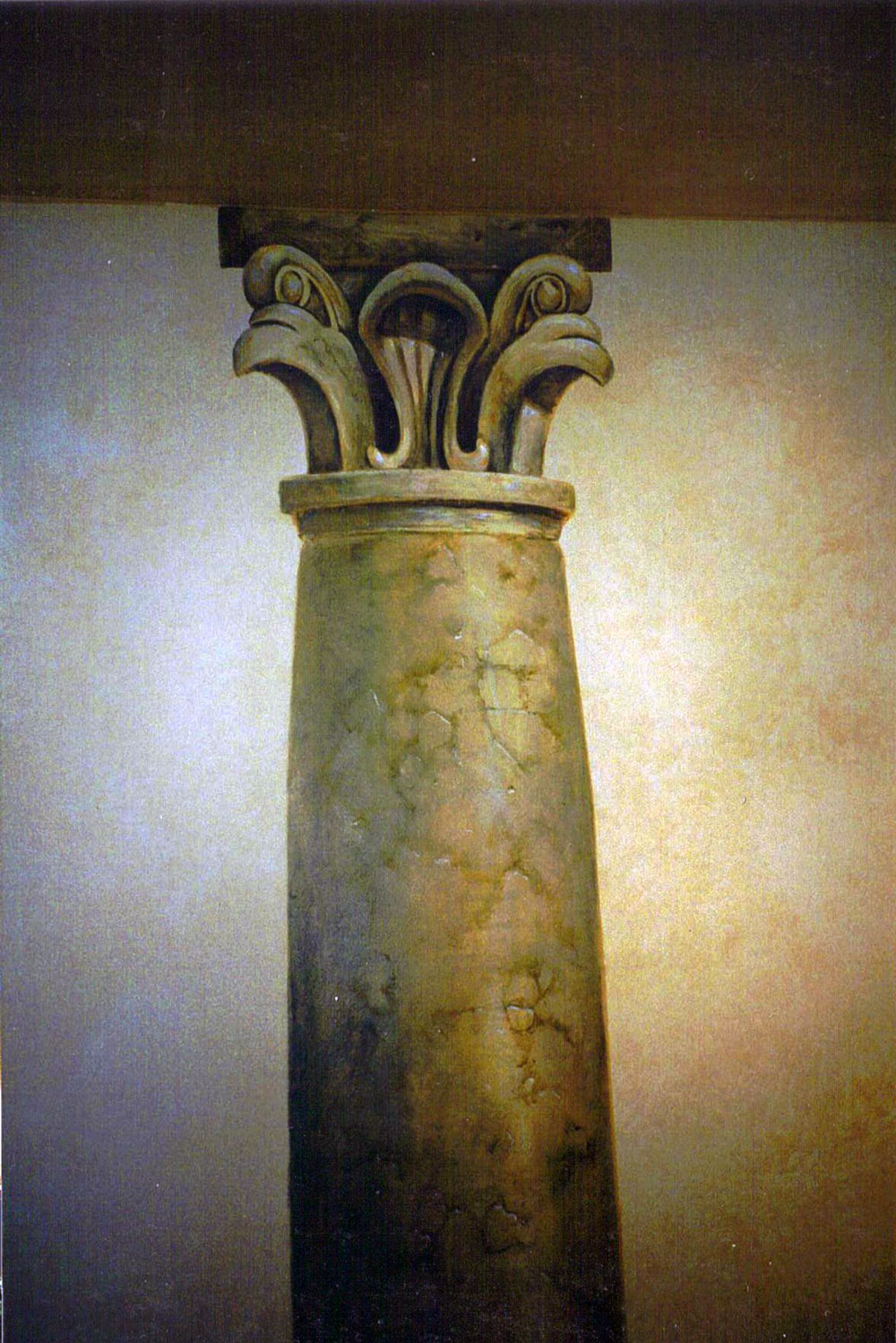 Trompe-Loeil-column-japan.jpg