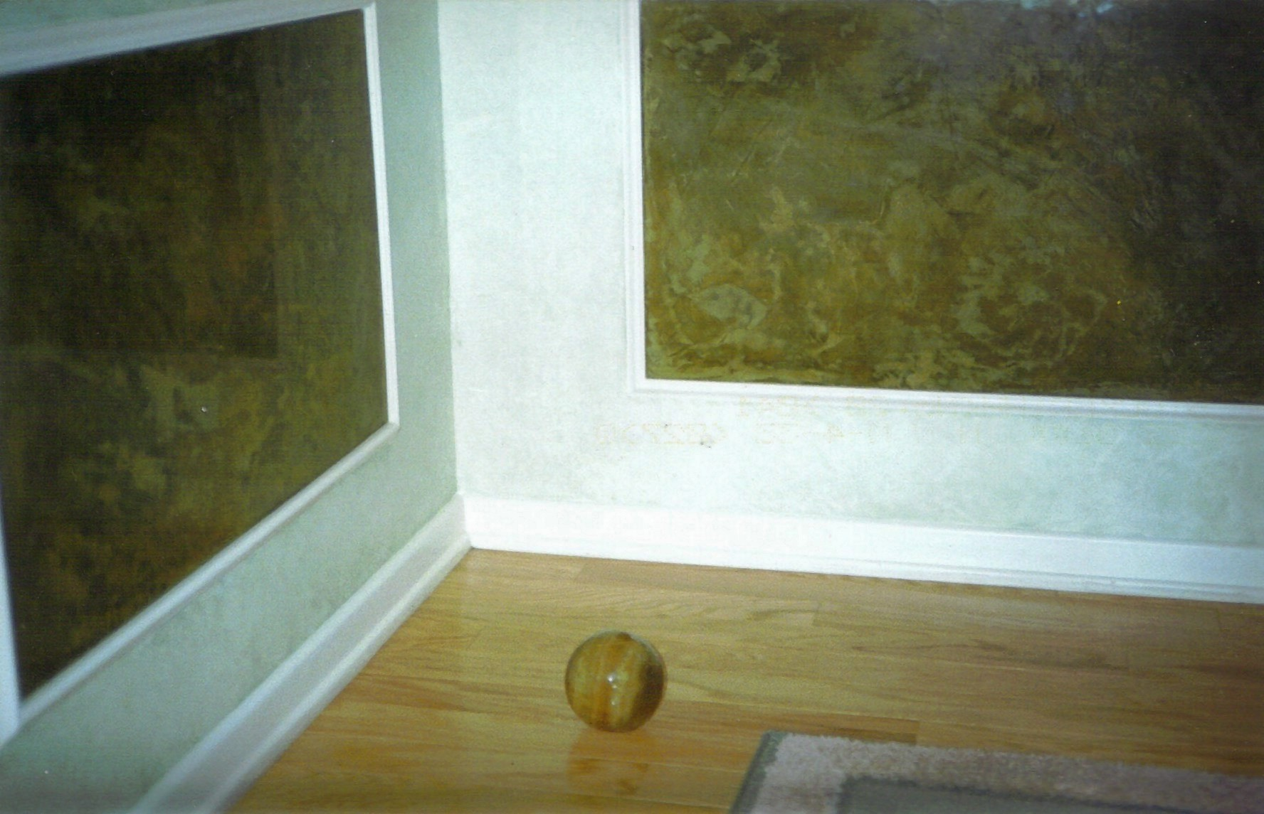 onyx plaster with onyx ball.jpg