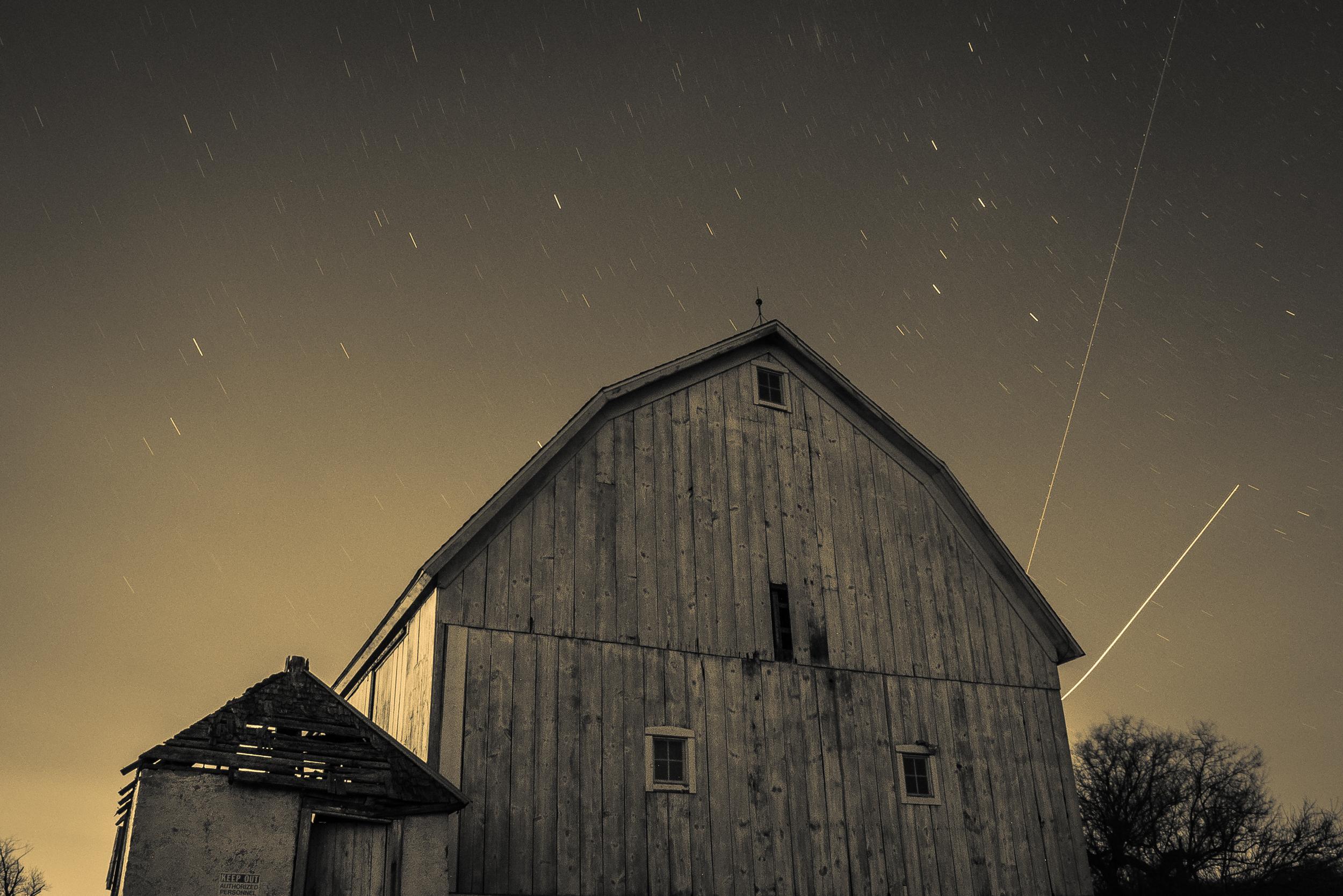 Stars_farm_night_cary_illinois_winter