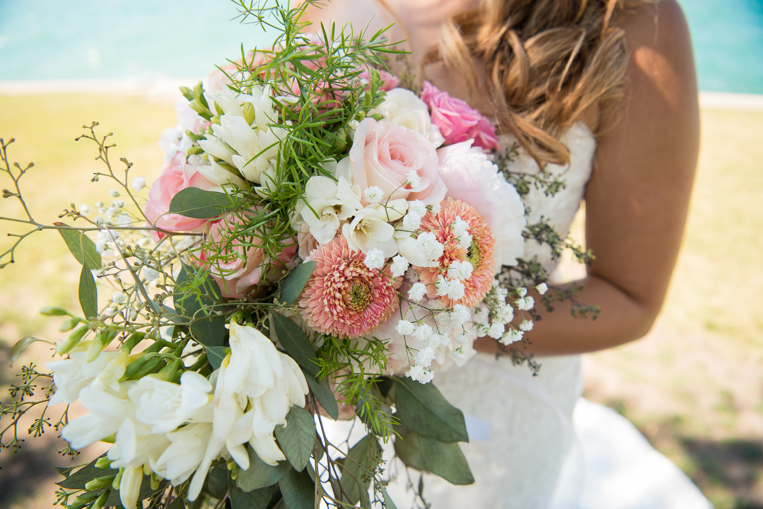wedding_chicago_love_honky_tonk_flowers_lakefront