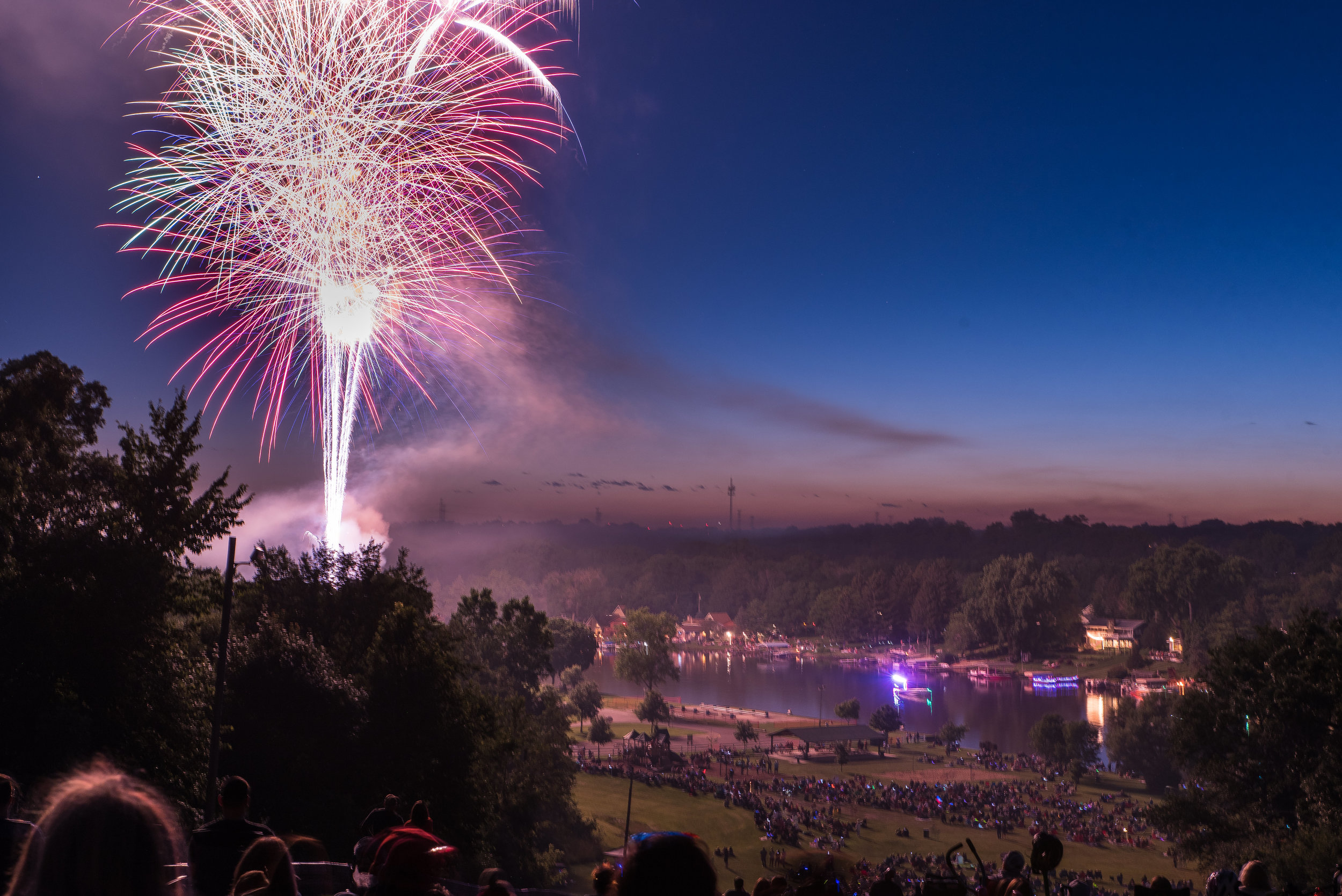 Fox_River_Grove_Fireworks_2017