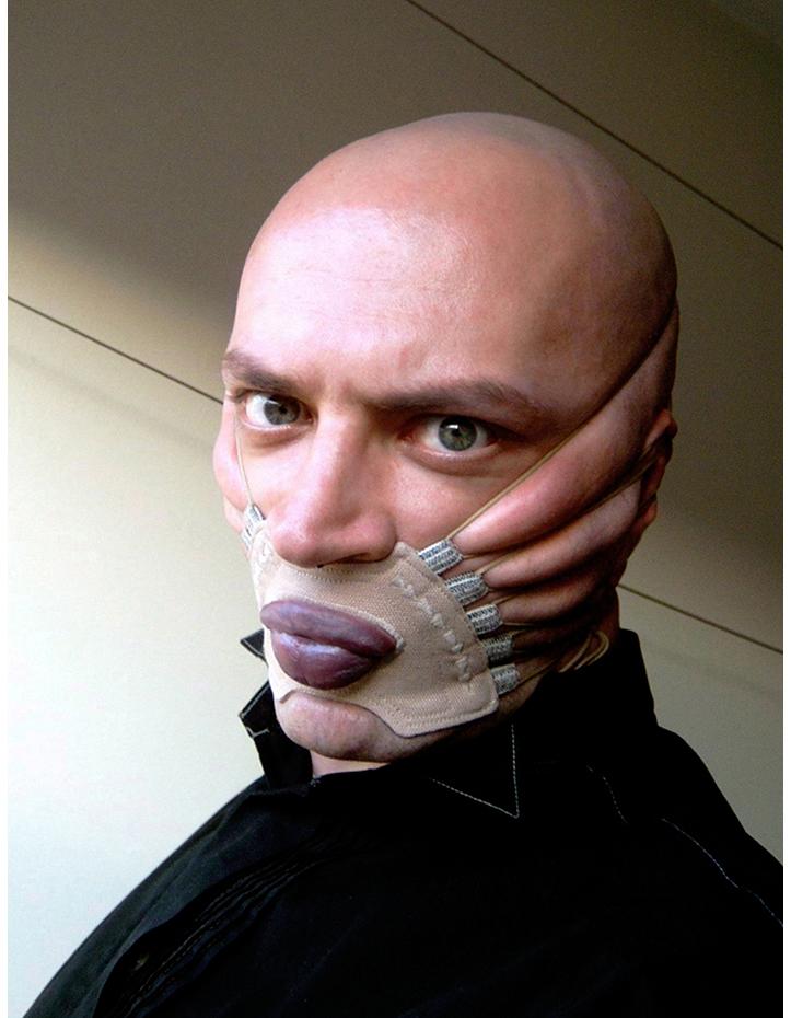 Incisivus labaii.  Cotton Face Corset. 2002