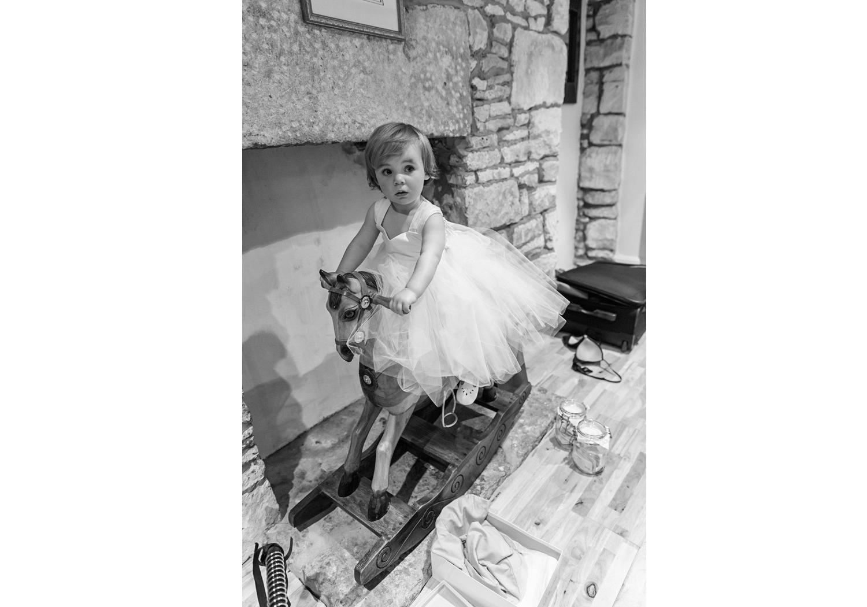 wedding-photographer-wales-stroud-old-lodge-013.jpg