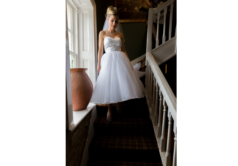 wedding-photographer-wales-stroud-old-lodge-015.jpg
