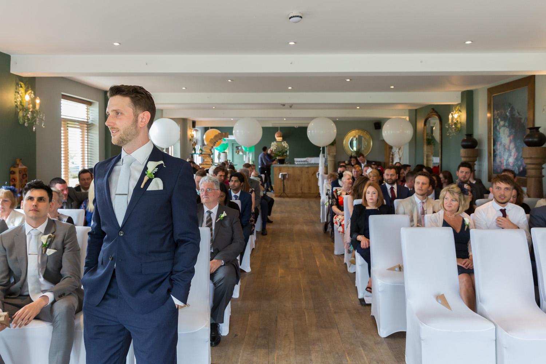 wedding-photographer-wales-stroud-old-lodge-016.jpg